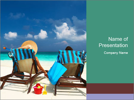 Couple at Maldives PowerPoint Template