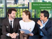 Happy smiling couple Modelos de apresentações PowerPoint