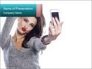 Pretty girl make a duck face Modèles des présentations  PowerPoint