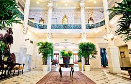 Menger Hotel lobby