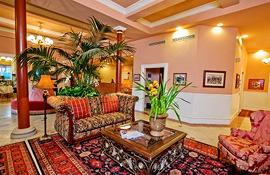 Napa River Inn lobby