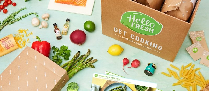 HelloFresh box with ingredients and recipe card