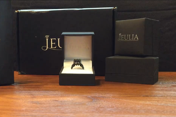 Unboxing White Sapphire and Black Diamond Rings from Jeulia