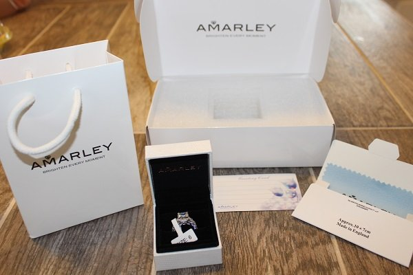 Unboxing an Emerald Cut CZ Engagement Ring from Amarley