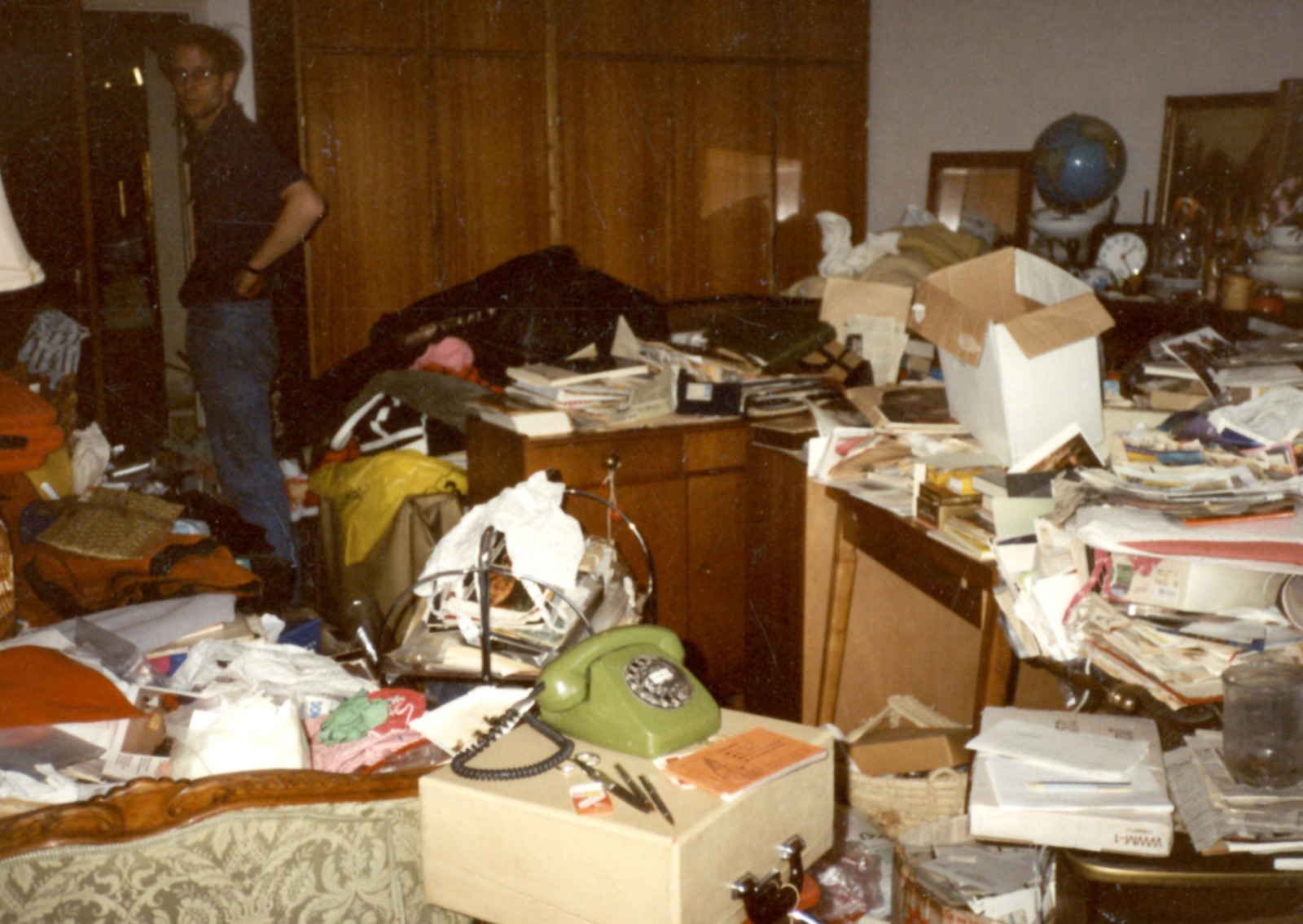 compulsive hoarding It is unclear at this point whether compulsive hoarding is part of ocd or   encourage hoarders to seek treatment and help them receive it.