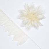 """2"""" Star Shape Pull Pouch (Ivory)"""