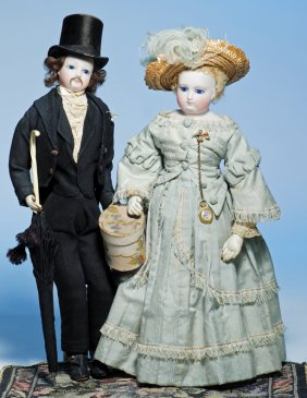 Lot DOLL AUCTION