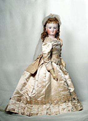 Lot Doll Auction of Enchanted Mansion Doll Museum