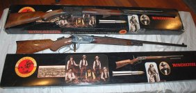 Lot ANTIQUE & MODERN FIREARMS, SWORDS, MILITARY