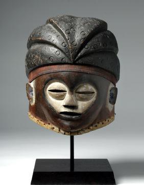 Lot DAY 2: Pre-Columbian, Tribal, Colonial Art