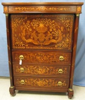 Lot Art, Art Glass &  Antiques Auction