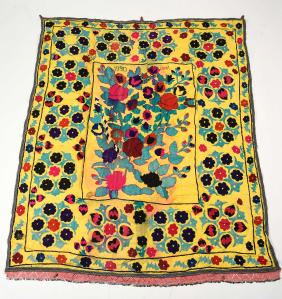 Lot EMBROIDERED AND DECORATIVE TRIBAL TEXTILES