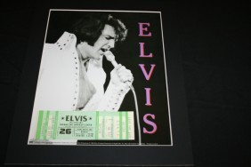 Lot Vinyl, Music & Film Memorabilia