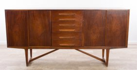 Lot Mid-Century Modern & Decorative Arts Auction