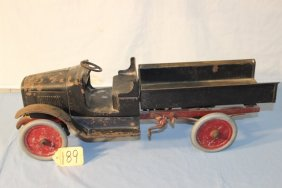 Lot Toy Auction