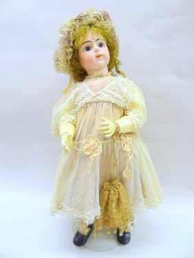 Lot Toy, Miniature & Doll Auction