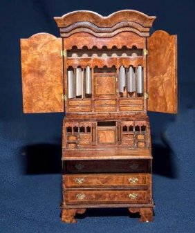 Lot Artisan Miniatures At their Finest Auction