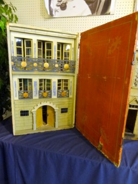 Lot  Spring  Dollhouse & Miniatures Auction