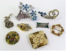 Lot EXCLUSIVE COSTUME JEWELRY EXTRAVAGANZA
