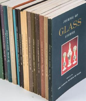 Lot European Glass & Studio Glass