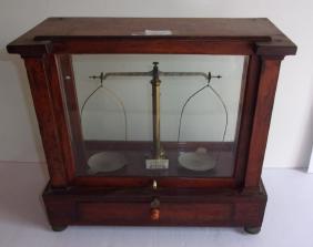 Lot Antiques, Fine Arts & Collectibles Auction