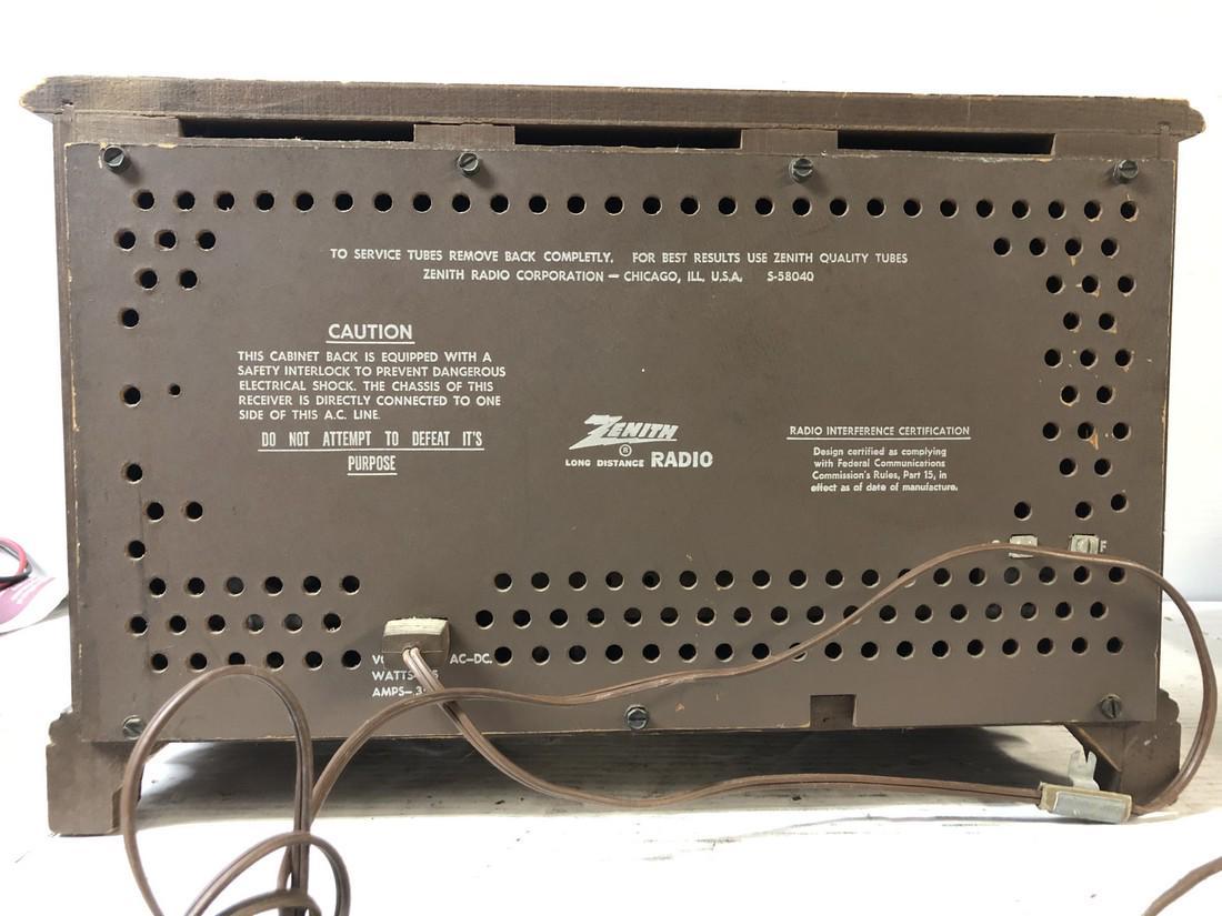 Vintage-Zenith-AM-FM-Long-Distance-Table-Top-Tube-Radio-S-58040 thumbnail 4