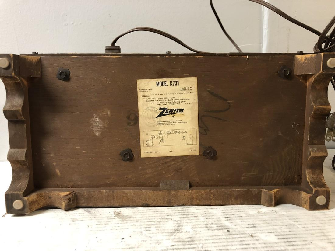 Vintage-Zenith-AM-FM-Long-Distance-Table-Top-Tube-Radio-S-58040 thumbnail 5