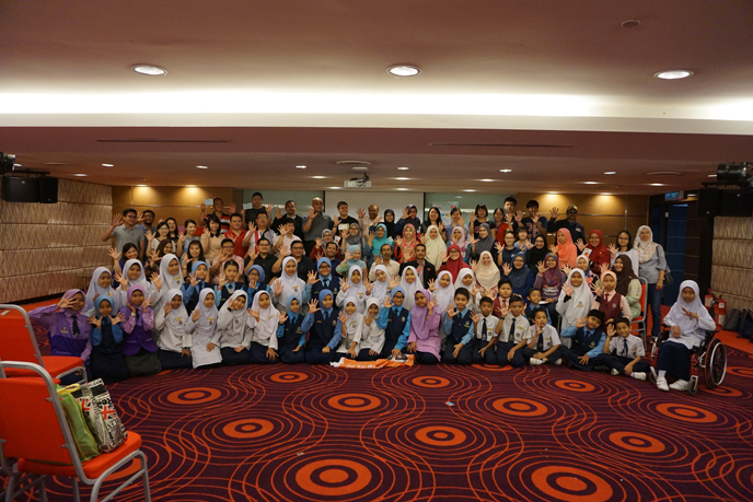 Group photo of all the participants in the Kuala Lumpur meeting
