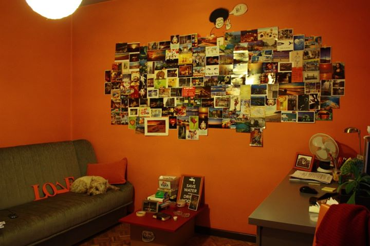 Magdiolka's wall of postcards