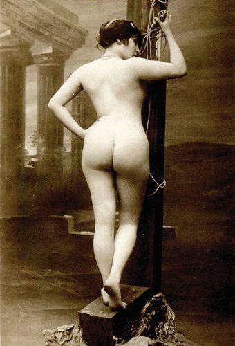 Фото старинные голых женщин