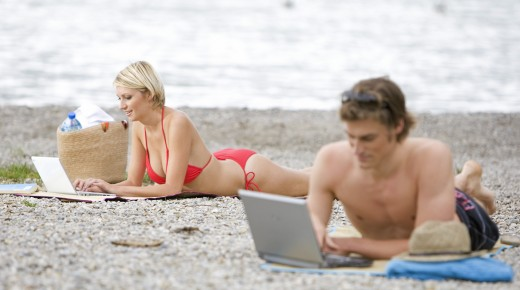 Why Telecommuting Is Perfect for Summer Lovers