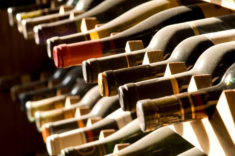 Thumb wine bottles