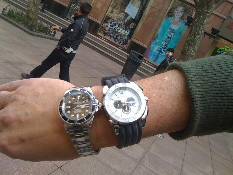 Thumb fake watches