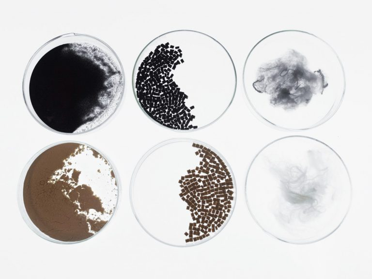 Petri dish wired article image