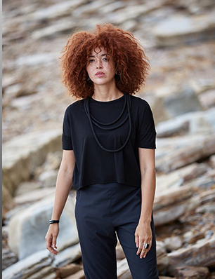 Boxy T-Shirt in Black
