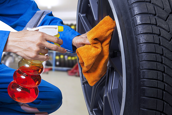 carregistrationadvisors.org blog: 3 Tips From CarRegistrationAdvisors.org for Cleaning Your Tires and Rims