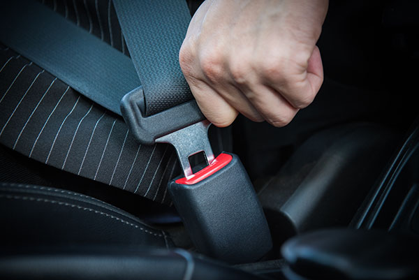 driversservices blog: 4 Reasons Why DriversServices.org Urges You to Always Wear a Seat Belt