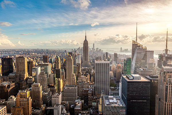 Pros and Cons of Moving to New York According to MovingAddresses.org