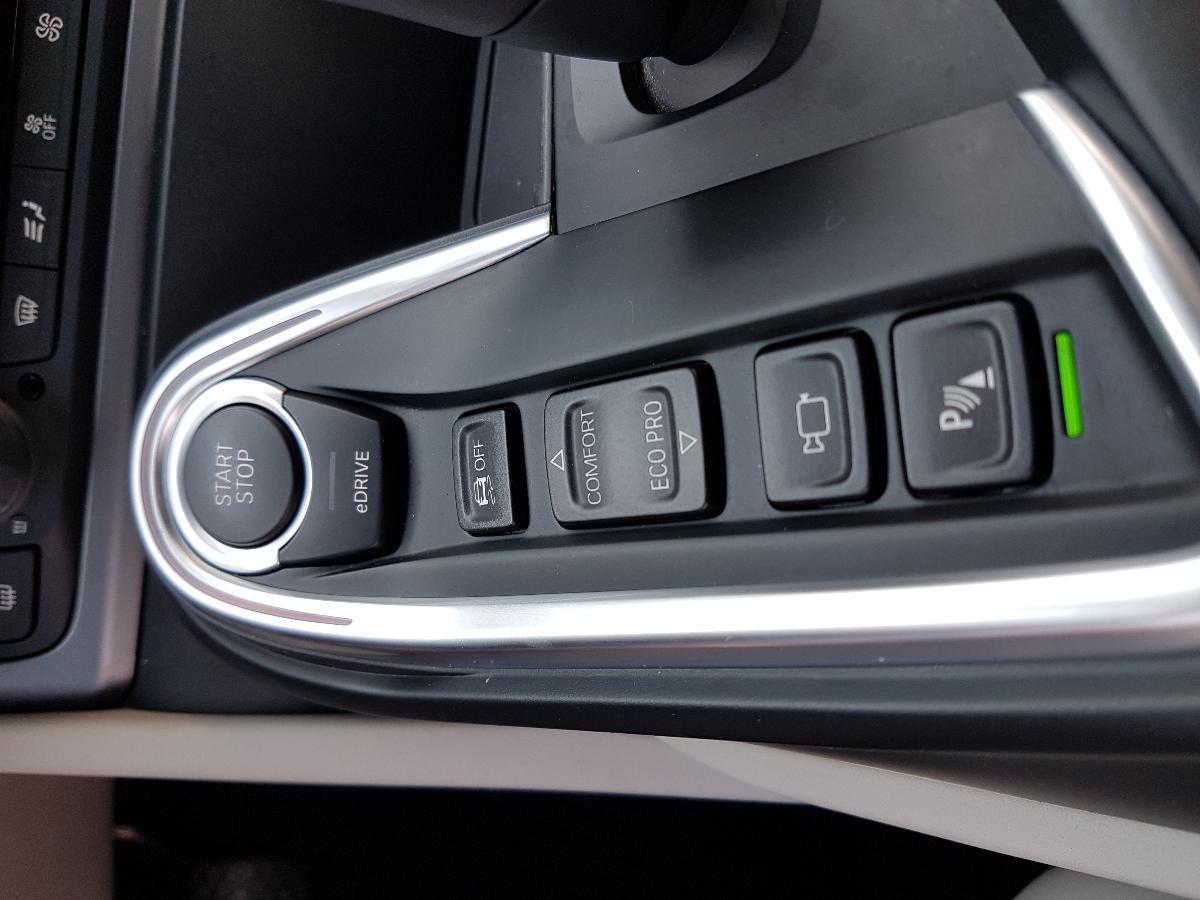 BMW i8 2017 2p Pure Impulse Hibrido L3/1.5/T Aut 2,734 Km 15
