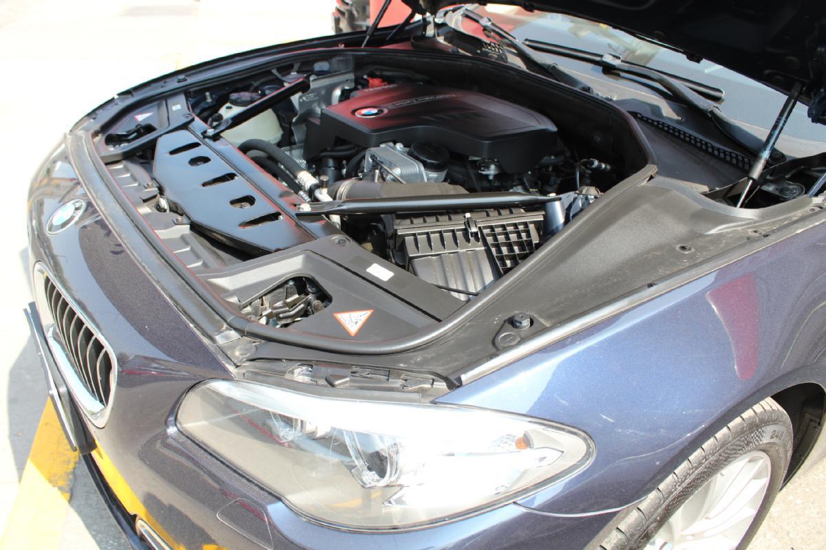BMW Serie 5 2014 4p 535i Gran Turismo Luxury Line 3.0 aut 50,000km 18