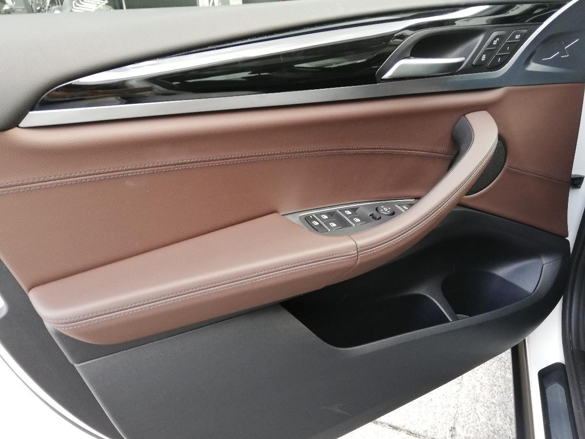 BMW X3 2018 X3 XDRIVE 30iA XLINE  6,616 Km 17