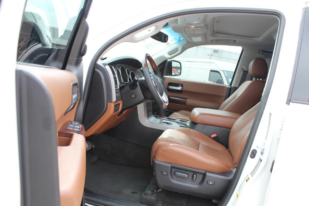 Toyota Sequoia 2017 5p Platinum V8/5.7 Aut 13,500km 6