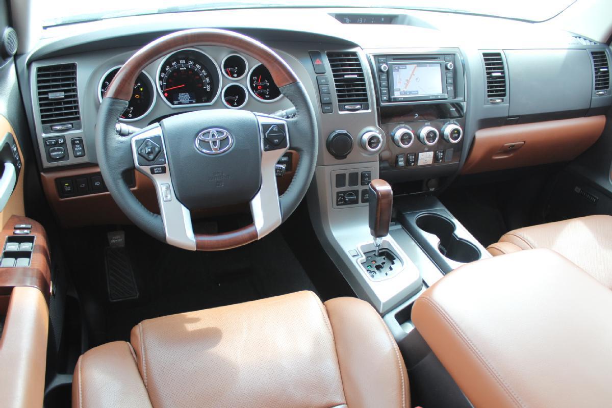 Toyota Sequoia 2017 5p Platinum V8/5.7 Aut 13,500km 11