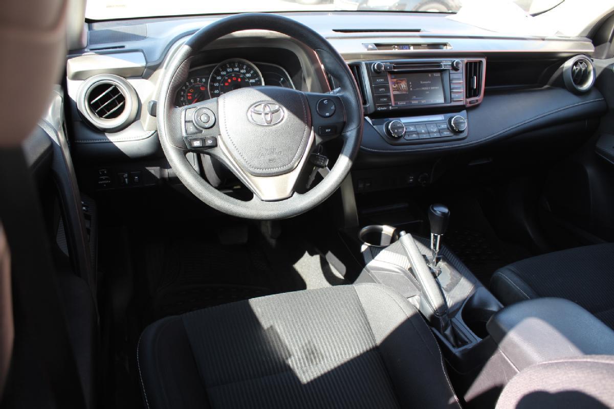Toyota RAV4 2016 5p XLE L4/2.5 Aut 65,000km 8