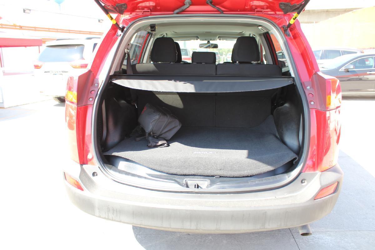 Toyota RAV4 2016 5p XLE L4/2.5 Aut 65,000km 10