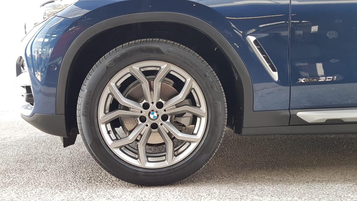 BMW X3  2018 XDRIVE 30i XLINE  8,426 Km 7