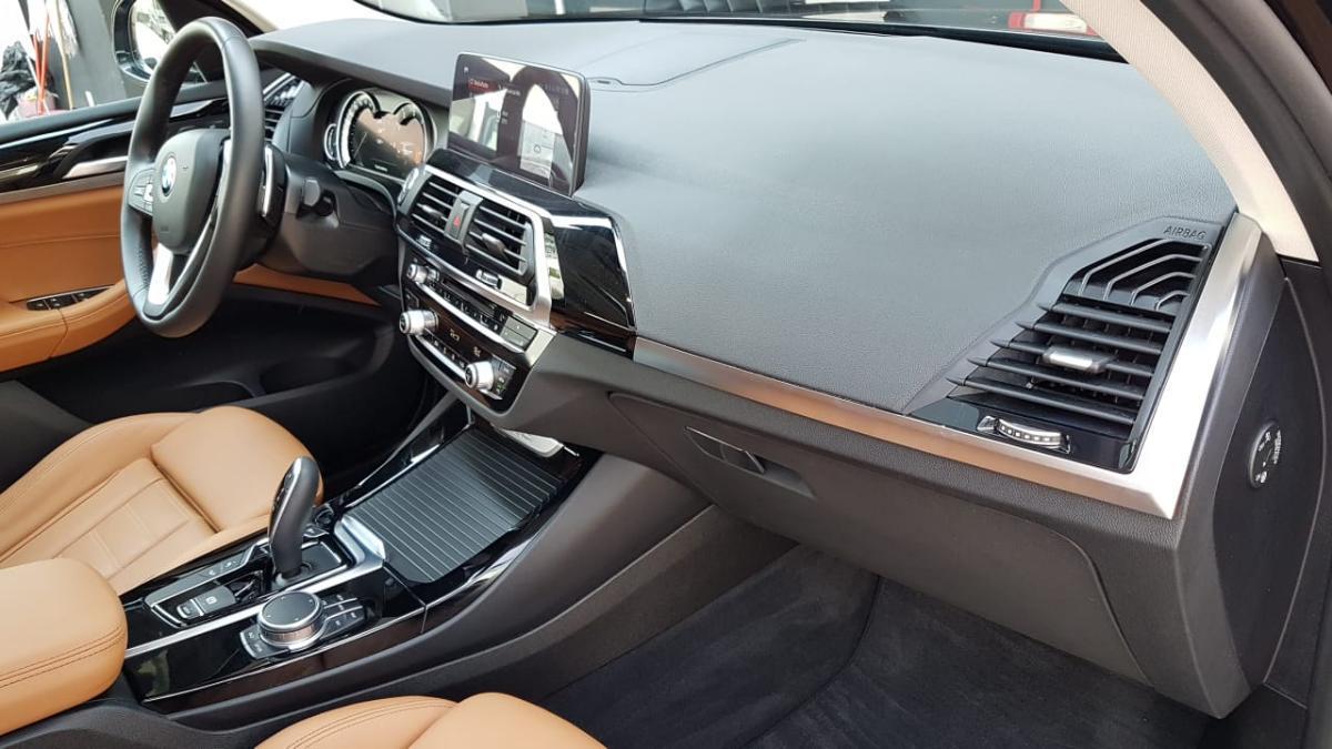 BMW X3  2018 XDRIVE30 XLINE  6,882 Km 12