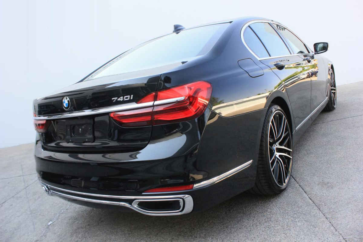 BMW Serie 7 2016 740Li L6/3.0/T Aut 19,131 Km 6