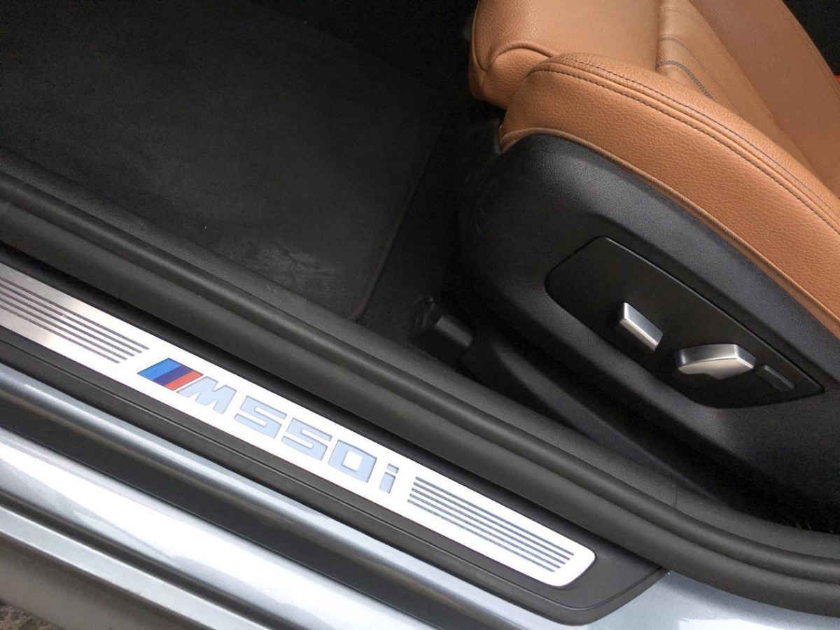BMW Serie 5 2018 4p M550i V8/4.4/T Aut 11,658 Km 16