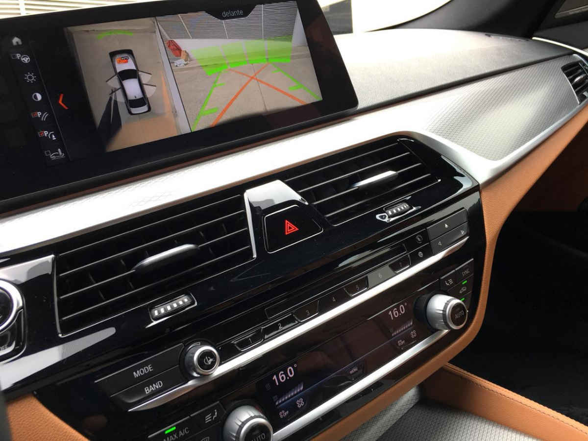 BMW Serie 5 2018 4p M550i V8/4.4/T Aut 11,658 Km 23